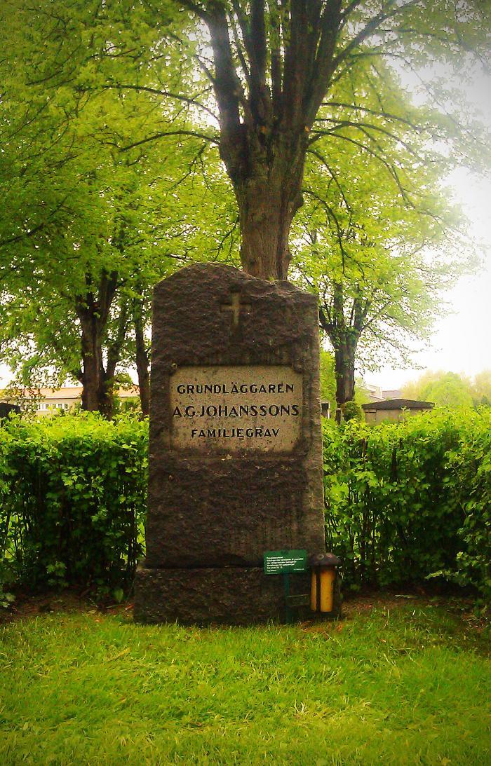 Grundläggarens grav Västra Kyrkogården Nyköping